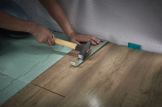 """Laying Laminate and Design Flooring"" Essentials Package"